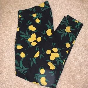 2X Torrid Lemon Print Leggings